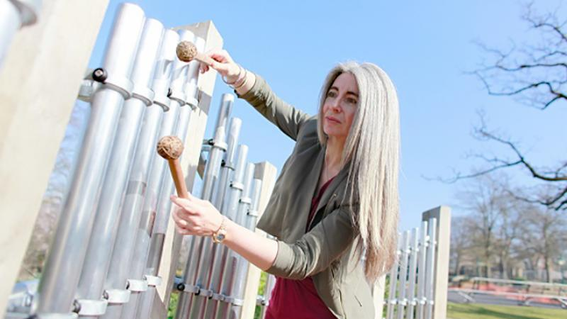 Evelyn Glennie (Caroline Purday)