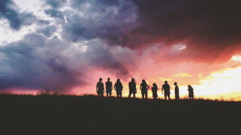 people on the horizon